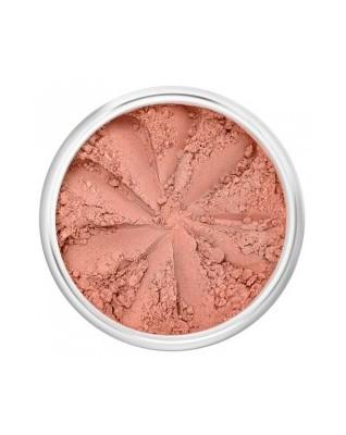 Beach Babe Satynowy, brzoskwiniowy róż utrzymany w ciepłej tonacji. Idealnie podkreśli lekko opaloną skórę.